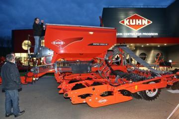Kuhn - 01.jpg